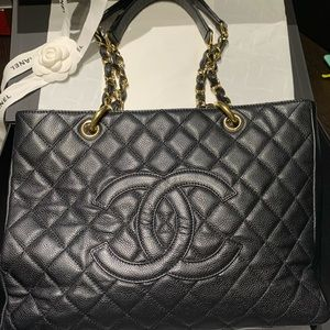 CHANEL GST BLACK Caviar Quilted Grand Shopping Bag